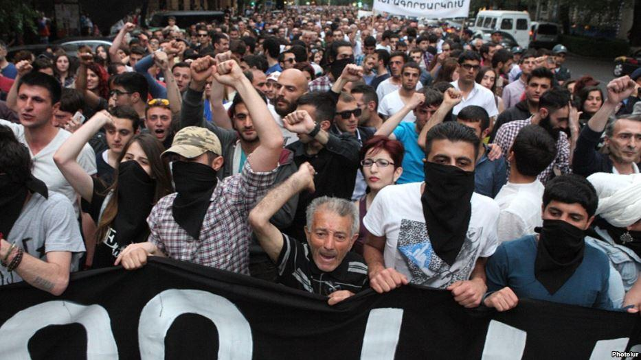 The protests in Armenia-a product of the action of the Russian capital?