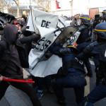 В интересах крупного капитала: недовольных французов задержали