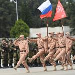 Военные базы Хмеймим готовились к параду, выполняя боевые задачи