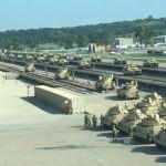 США готовят военный удар: перебрасывают за границу сотни танков и гаубиц