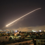 США совместно с Великобританией и Францией нанесли «точечные удары» по Сирии