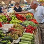 А виновата во всем моль: как оды бананам и сахару спасают от роста цен в Армении