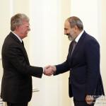 EurasiaNet (США): Болтон метил в Россию и Иран, а жертвой стала Армения?