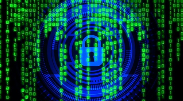 cyber-security-3400555_1920-900x675