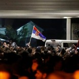 2019-03-16T231956Z_132870586_RC159B624A00_RTRMADP_3_SERBIA-PROTESTS-870x418