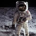 Первые люди на Луне: почему их объявляют фейком