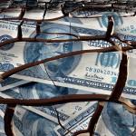 «Банк Елизаветы II» собрался обрушить доллар