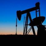 США ведут контрабанду сирийской нефти в другие страны — МО России