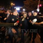 В Грузии возобновились митинги против показа фильма об однополой любви