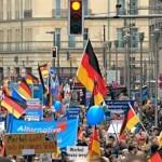 Немецкие фашисты маршируют из прошлого в будущее?