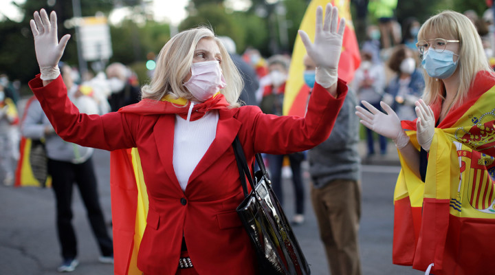 Women wearing protective masks take part in a demonstration against the measures taken by the Spanish government over the handling of the coronavirus disease (COVID-19) crisis in Leon, Spain May 17, 2020. REUTERS/Andres Martinez Casare