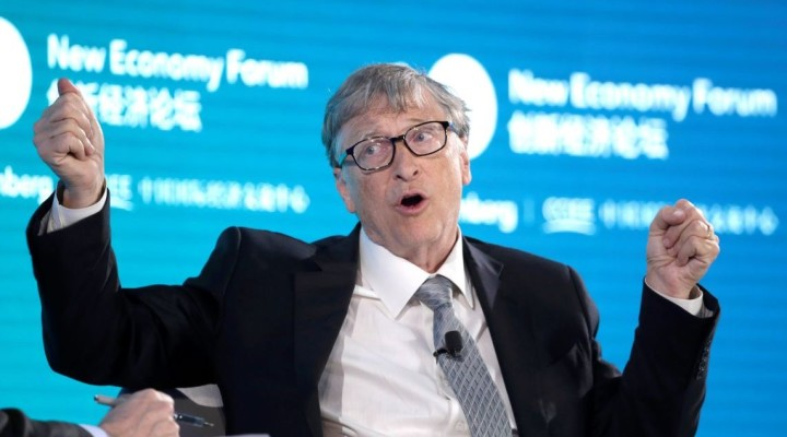 Bill Gates, Co-Chair of Bill & Melinda Gates Foundation, attends a conversation at the 2019 New Economy Forum in Beijing, China November 21, 2019. REUTERS/Jason Lee - RC2MFD9CQTMP