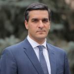 Омбудсмен Армении изучит видео с ругательствами на главной площади Еревана
